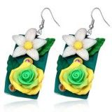 Boucles fimo 11 - Fleur pendante sur rectangle