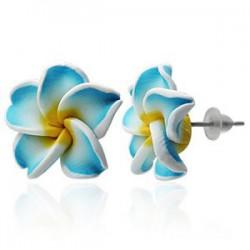 Boucles fimo 16 - Fleur bleu-clair et jaune