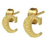 Clou pour oreille en acier lettre gold ip C
