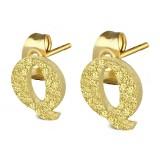 Clou pour oreille en acier lettre gold ip Q
