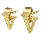 Clou pour oreille en acier lettre gold ip V