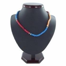 Collier surf 23 - Rouge, bleu et marron perles en bois