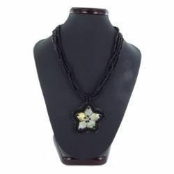 Collier nacre 13 - Fleur et perles