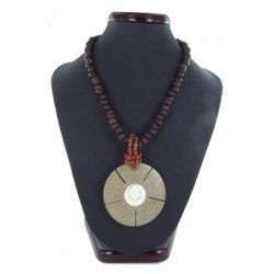 Collier coquillage 16 - Cercle avec spirale